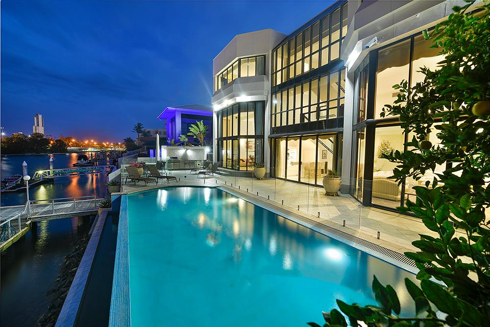 77 Commodore Drive, Paradise Waters